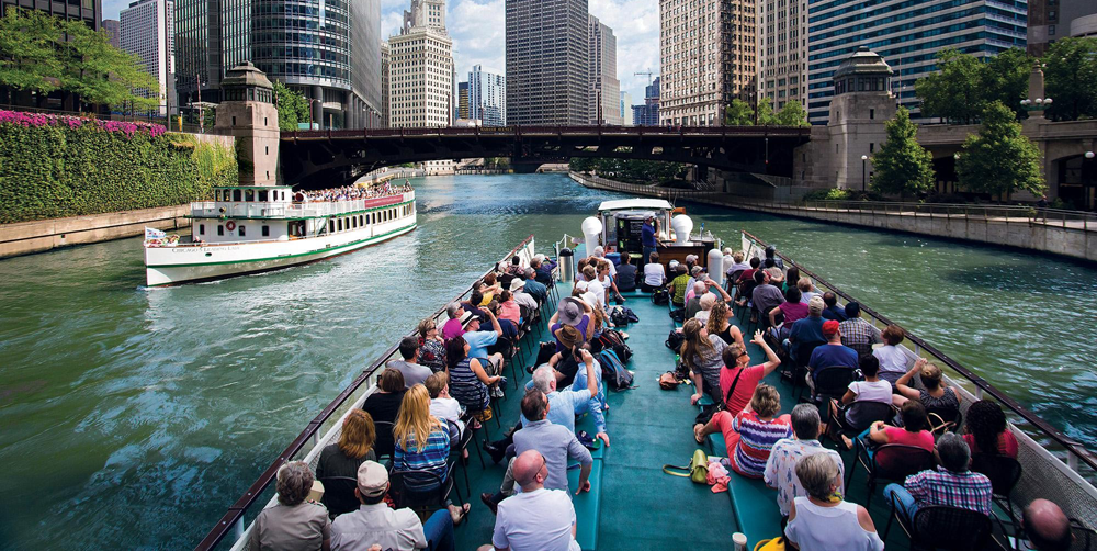 5 Summer Tours To Take To Really Experience Chicago | Hotel EMC2, Autograph Collection