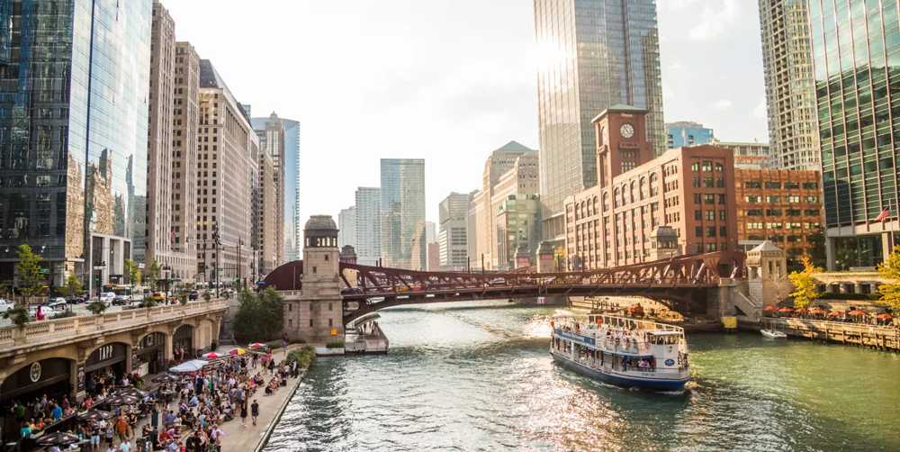 5 Fall Activities in Chicago | Chicago Riverwalk | Hotel EMC2, Autograph Collection