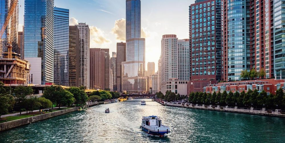 8 Fun and Exciting Chicago Tours | Hotel EMC2, Autograph Collection
